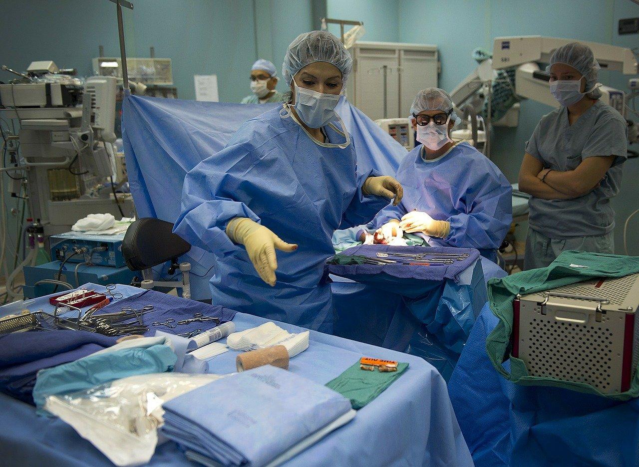 matériel pour bloc opératoire